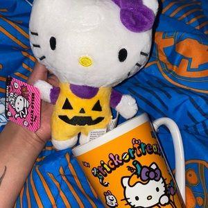 Halloween hello kitty mug and plush set